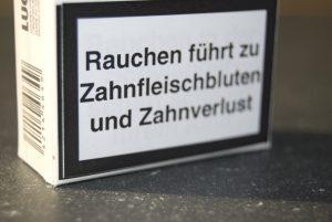 Weltnichtrauchertag: Rauchen schädigt die Zahngesundheit | Quelle: © Initiative proDente e.V.